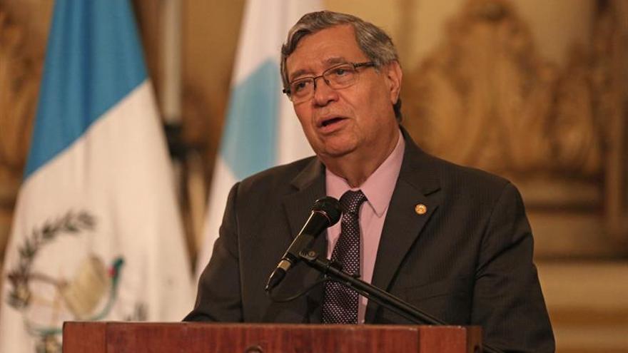 El vicepresidente de Guatemala pide no despenalizar el aborto para niñas violadas
