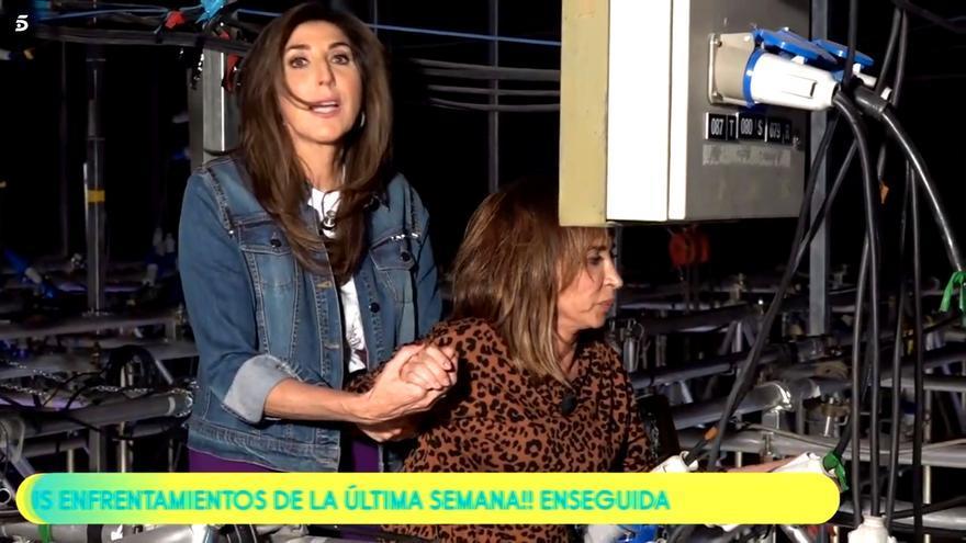 Paz Padilla ayuda a María Patiño a ponerse a resguardo