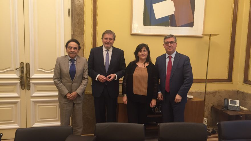 El ministro de Educación, Iñigo Méndez de Vigo, en su reunión con la asociación de centros privados ACADE. / ACADE