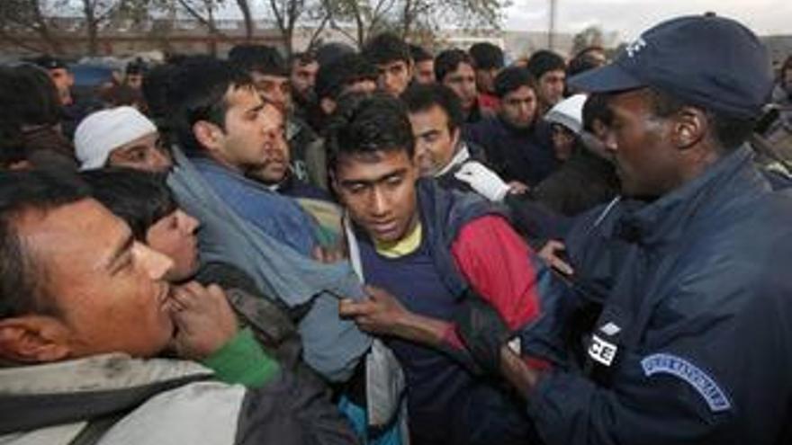 Desalojo campamento inmigrantes Calais, Francia