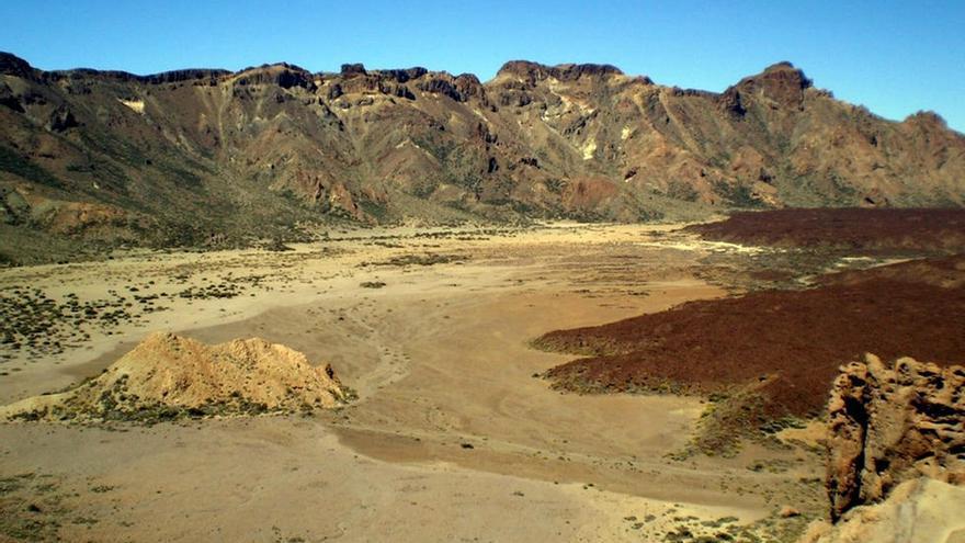 Vista general del Llano de Ucanca, en el parque nacional del Teide