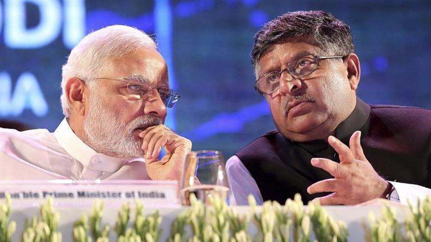"""India pide a las plataformas digitales que eliminen el juego de la """"ballena azul"""""""