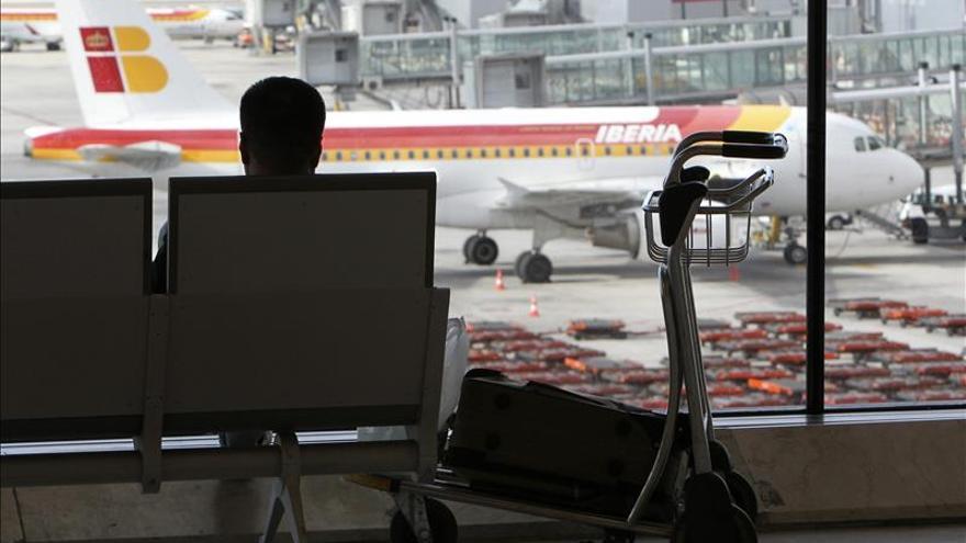 Las aerolíneas bajan las tarifas y aumentan los vuelos y horarios para competir con el AVE