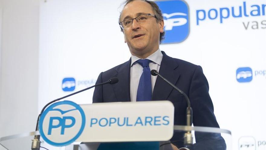 Alfonso Alonso seguirá como presidente del PP vasco al ser el único candidato
