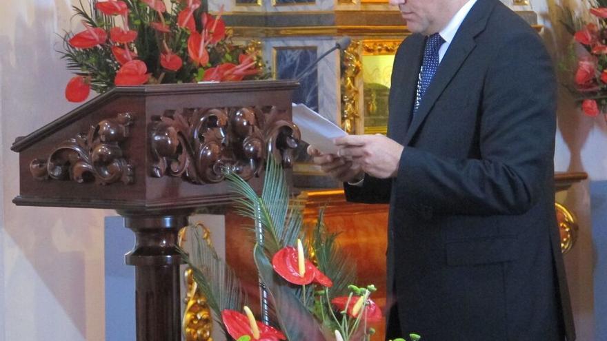 Anselmo Pestana, este martes, en la lectura del discurso de San Miguel.