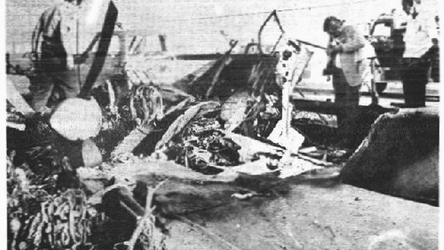 El AVE Mizar accidentado en una foto que se publicó en prensa en 1973