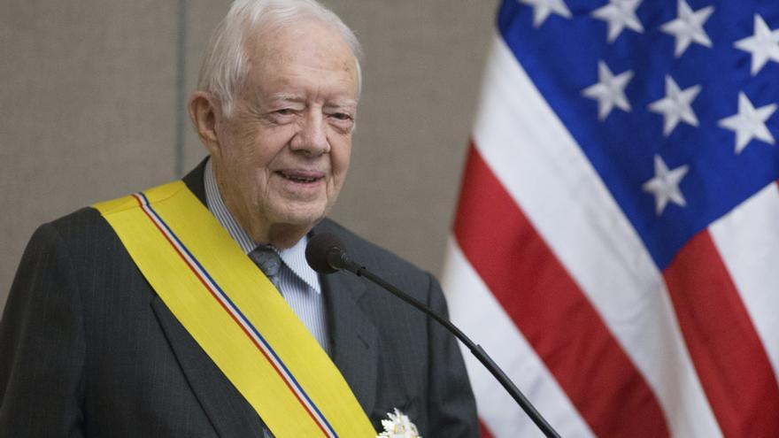 Jimmy Carter afirma que EE.UU. se merece un presidente con integridad y juicio