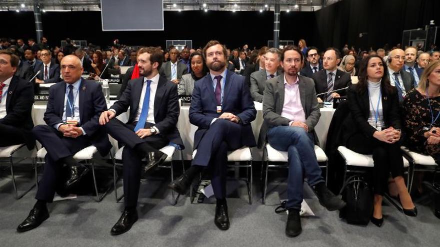 Rafael Simancas (PSOE), Pablo Casado (PP), Iván Espinosa de los Monteros (Vox), Pablo Iglesias (Podemos), e Inés Arrimadas (Ciudadanos, este lunes durante la ceremonia de apertura de la 25 Conferencia de las Partes del Convenio Marco de Naciones Unidas sobre Cambio Climático (COP).