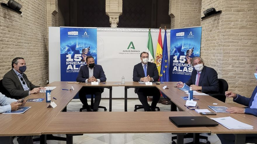 Reunión de la XV edición de los premios 'Alas a la Internacionalización de la Empresa Andaluza' organizados y otorgados por Extenda.