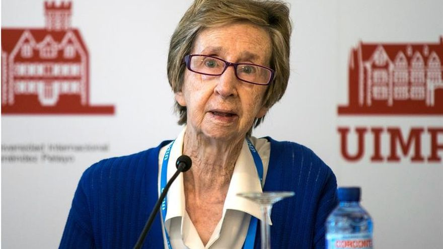 """Margarita Salas, """"orgullosa"""" de que haya """"muchas mujeres investigadoras"""""""