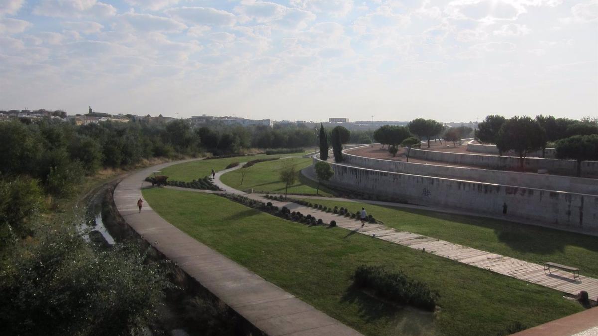 La plataforma 'Córdoba por la paz' apuesta por un desarrollo sostenible de la ciudad, alejado de la industria militar.