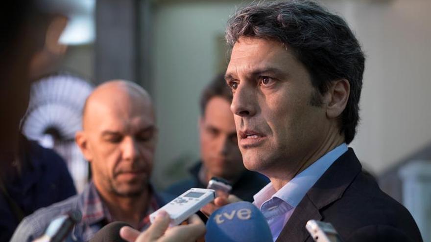 El delegado del Gobierno en Canarias, Enrique Hernández Bento. EFE/Ángel Medina G.