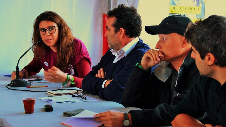 Mesa redonda 'Soluciones a la emigración española', en París. / FOTO: Gonzalo Gómez.