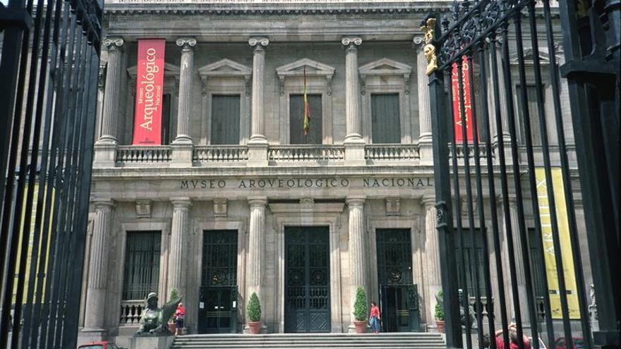 Benzo destaca la excelente salud del Museo Arqueológico, que cumple 150 años