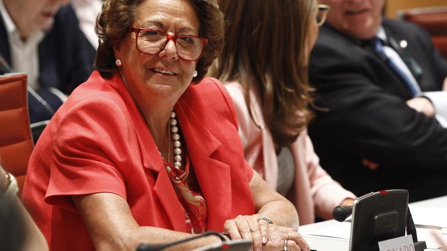 Barberá se estrena en el Senado votando la recuperación del recurso previo al TC para Estatutos