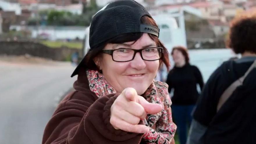 """Los vecinos de Madroñera le cantan un rap a Monago: """"La sanidad no se toca"""""""