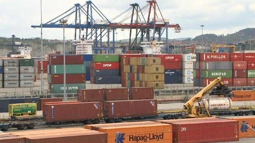Los estibadores convocan otros cinco días de paro en los puertos para este mes