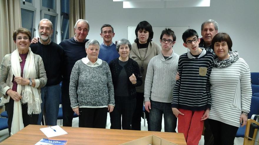 Grupo mixto de lectura fácil organizado por Har-Eman