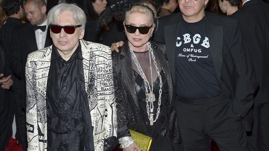 El punk toma la alfombra roja del año en la gala del Met