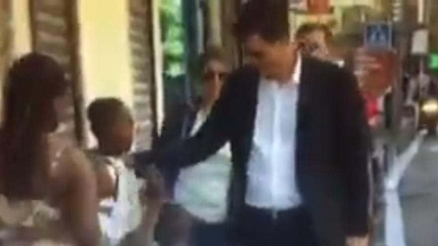 """Difunden un vídeo acusando a Sánchez de racista y el líder del PSOE advierte a PP y Podemos: """"No todo vale"""""""