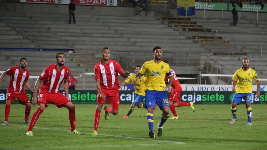 Partido entre la UD Las Palmas y el Sevilla. (ALEJANDRO RAMOS)