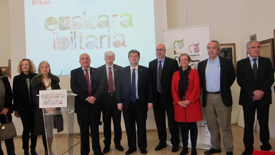 """El Ensanche de Bilbao acoge """"Euskara Ibiltaria"""", una muestra con mapas y paneles sobre los dialectos de la lengua vasca"""