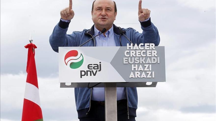 Ortuzar asegura que el PNV aspira a gobernar en las tres capitales y provincias vascas