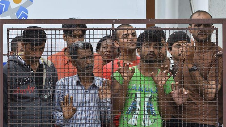 Las autoridades húngaras interceptan a 5.544 refugiados en el fin de semana