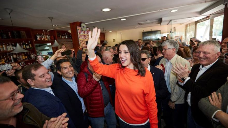 """Arrimadas insiste en la unidad constitucionalista para """"no perder ni un voto"""""""