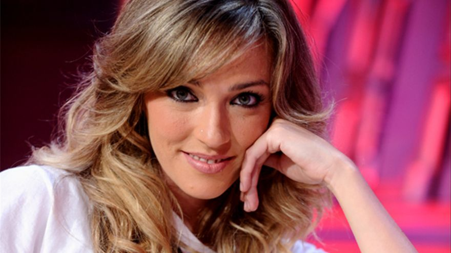 """Anna Simon salta como presentadora, """"Por arte de magia"""", al grupo Antena 3"""