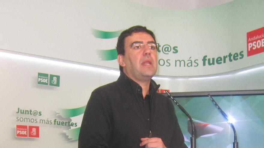 Jiménez dejará de ser vicesecretario general del PSOE-A y volverá a ocupar la Portavocía en el Parlamento
