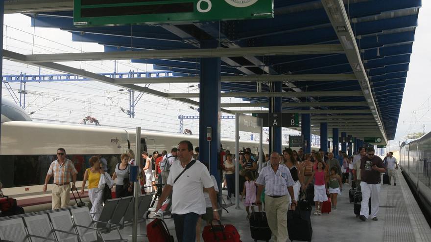 Joven muere arrollada por un tren cuando caminaba junto a la vía en Tarragona