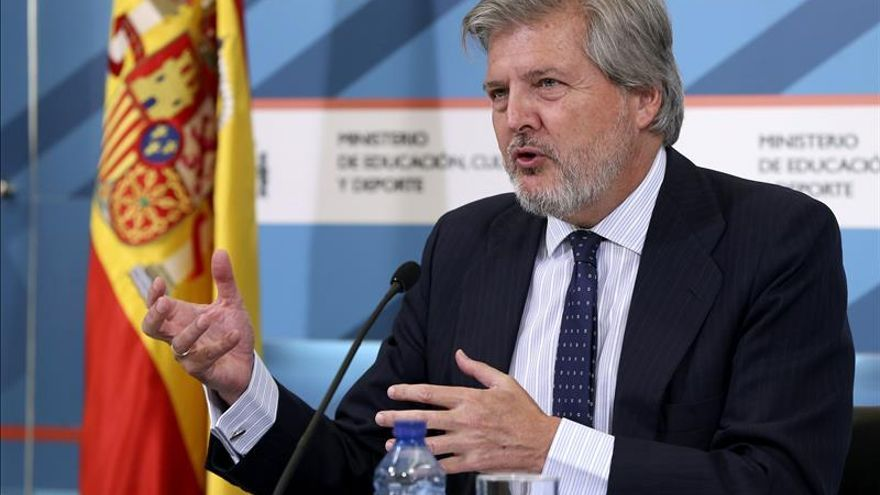 Primera reunión de Méndez de Vigo con los sindicatos de la educación pública