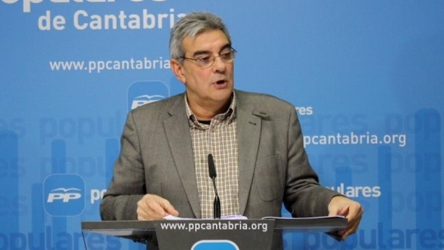 """El PP defiende el """"buen gobierno"""" de Diego frente al """"despilfarro"""" del Ejecutivo de Revilla"""