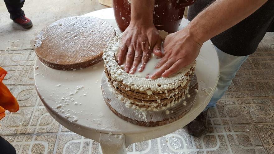 Elaboración artesanal de queso en la Sierra Norte de Guadalajara