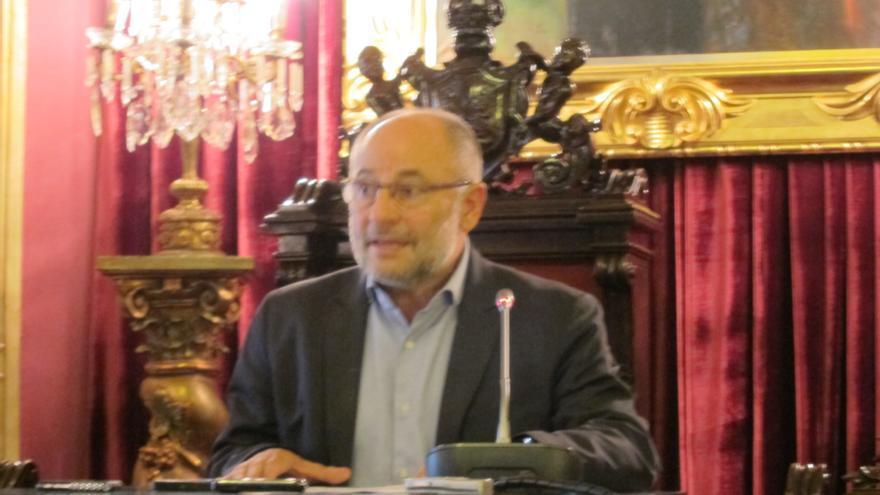 El alcalde de Orense anuncia su dimisión, que formalizará en un pleno extraordinario en los próximos días