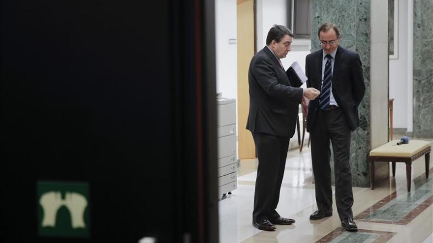 El PNV muestra su decepción con Rajoy por esconder la cabeza como un avestruz