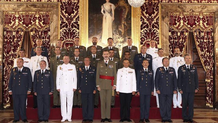 El Rey recibe en audiencia a mandos militares destinados a nuevas unidades