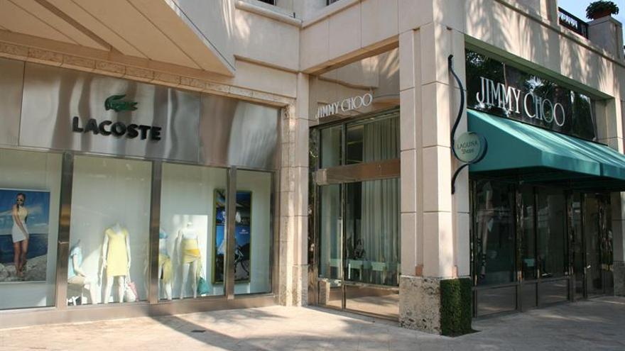 9c2a77dcb8 Michael Kors compra el fabricante de zapatos de lujo Jimmy Choo