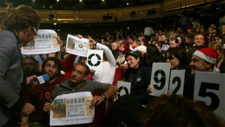 Trabajadores de Telemadrid protestan en el sorteo del Gordo de la Lotería de Navidad