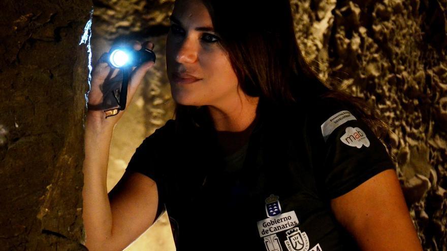Milagros Álvarez en una excavación en Egipto. Foto: PAOLO BONDIELLI.