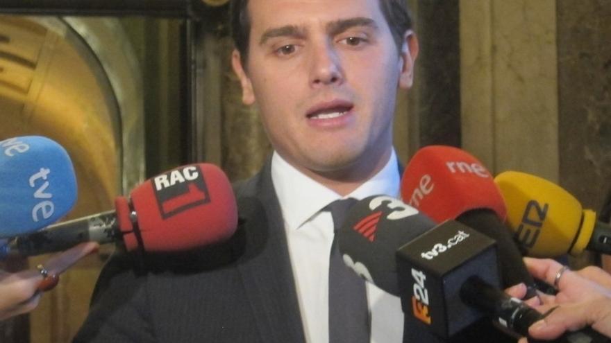Rivera (C's) cree que la Fiscalía no actuó antes del 9N por orden de Rajoy