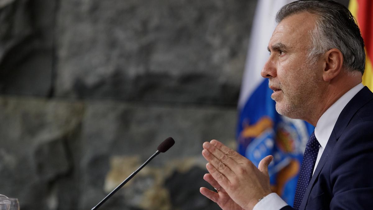 El presidente del Gobierno de Canarias, Ángel Víctor Torres, anuncia el cierre de Tenerife para frenar la propagación de la COVID-19