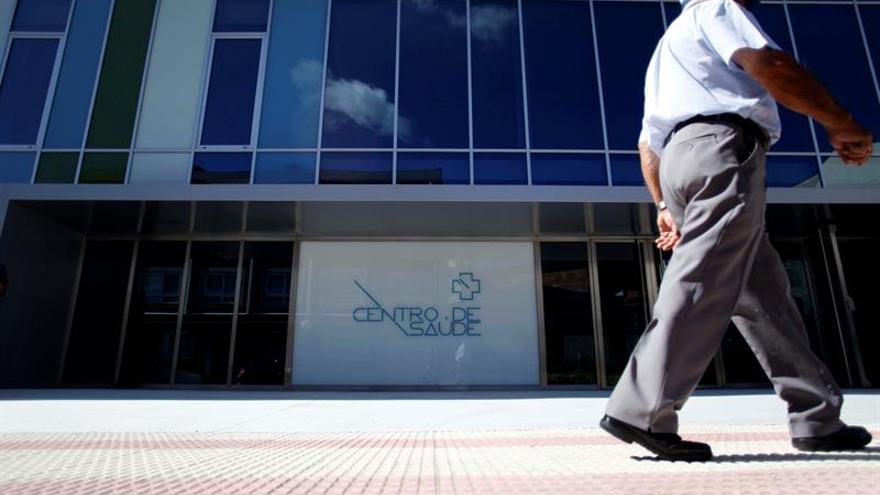 Galicia fija un tiempo máximo de 60 días para operaciones de dolencias graves
