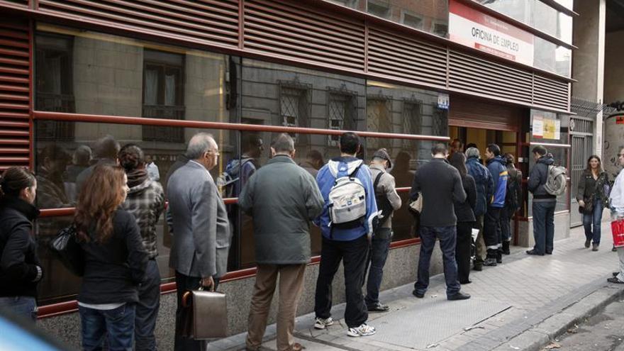 CCOO y UGT piden al Gobierno la continuidad de la ayuda de 426 euros a los parados