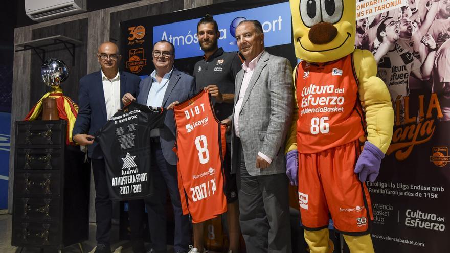 El base francés Antoine Diot jugarà dos anys més amb l'equip taronja.