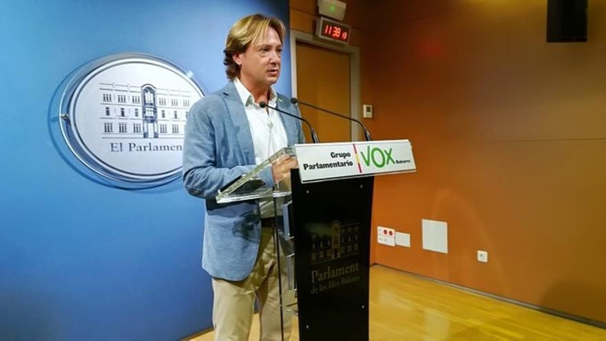 Vox critica la firma del convenio de Educación para impartir religión islámica en colegios públicos en Baleares