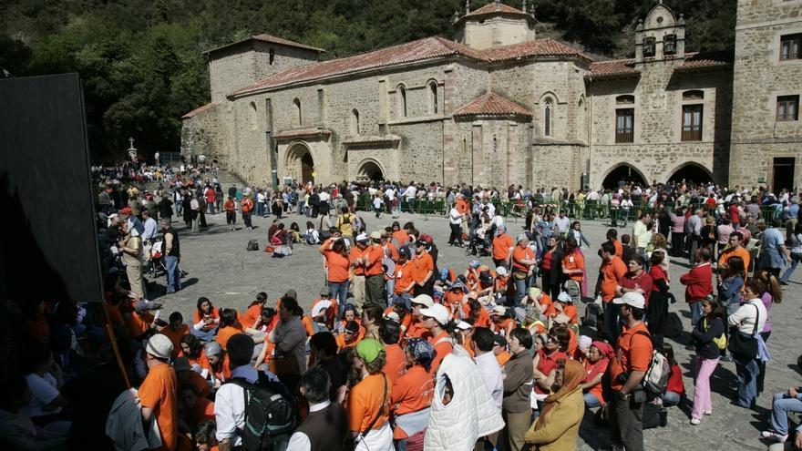 El obispo de Santander presentará este jueves en el Casyc los actos religiosos del Año Jubilar Lebaniego