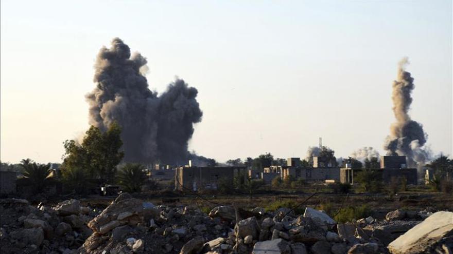 El Ejército iraquí rodea el complejo gubernamental y recupera la presa de Ramadi