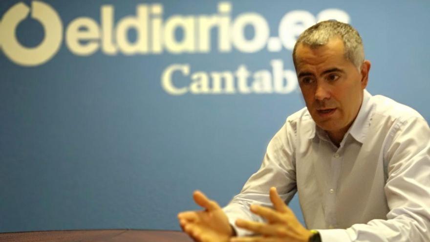 Miguel Saro (IU) durante una entrevista con eldiario.es. | R.A.